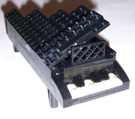 lego_piano.jpg