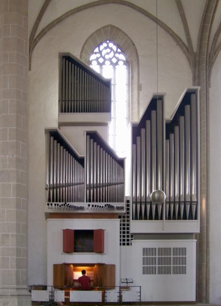 organistgross450.jpg