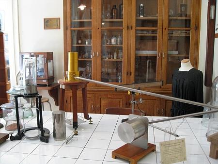 laboratoireexperimentelle450.JPG